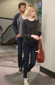 We adore how down-to-earth Emma Stone is—even she wears jeans on date night!