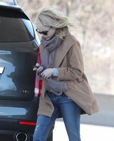 More Pics of Emma Stone Wool Coat (1 of 9) - Emma Stone Lookbook - StyleBistro