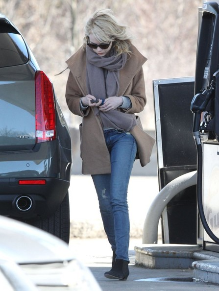 More Pics of Emma Stone Wool Coat (5 of 9) - Emma Stone Lookbook - StyleBistro