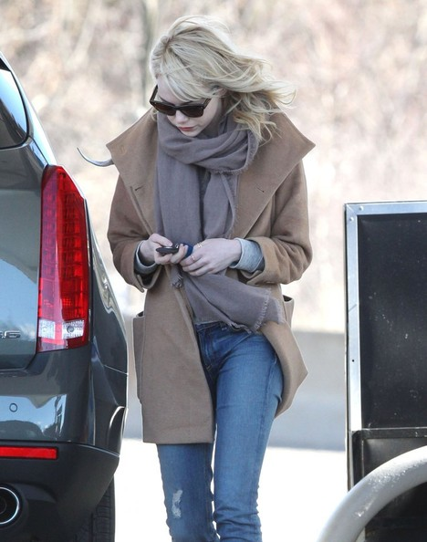 More Pics of Emma Stone Wool Coat (4 of 9) - Emma Stone Lookbook - StyleBistro