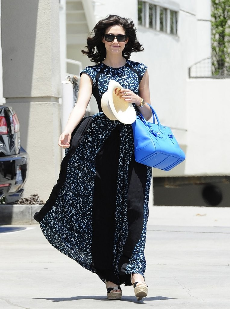 Emmy Rossum Gets Her Hair Done in Brentwood