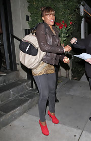 Eve spent a night out in Hollywood carrying an oversized two-tone tote.
