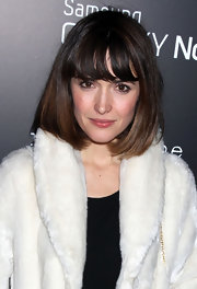 Rose Byrne attended the Fashion Take Note event wearing her her hair in a chic and shiny pageboy.