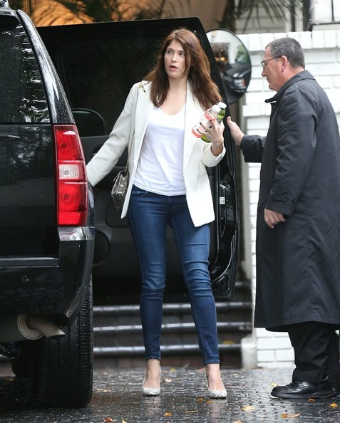 More Pics of Gemma Arterton Skinny Jeans (1 of 11) - Gemma Arterton Lookbook - StyleBistro