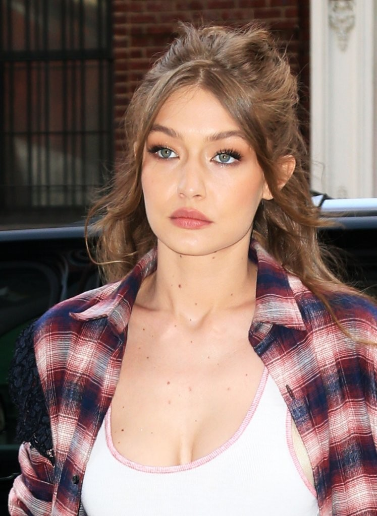 Gigi Hadid Half Up Half Down Newest Looks Stylebistro