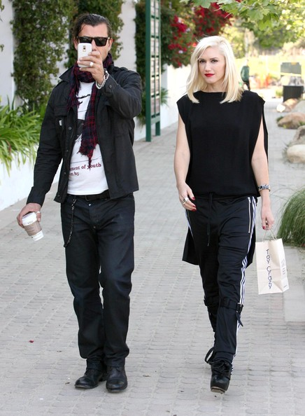 Hot Celebrity Gwen Stefani Medium Straight Cut