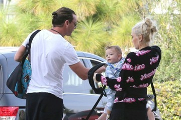 Gwen Stefani Gavin Rossdale Gwen Stefani and Family Attend a Party