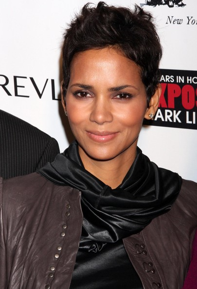 More Pics of Halle Berry Messy Cut (1 of 17) - Halle Berry Lookbook - StyleBistro