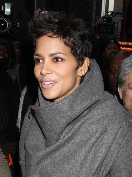Halle Berry Messy Cut []