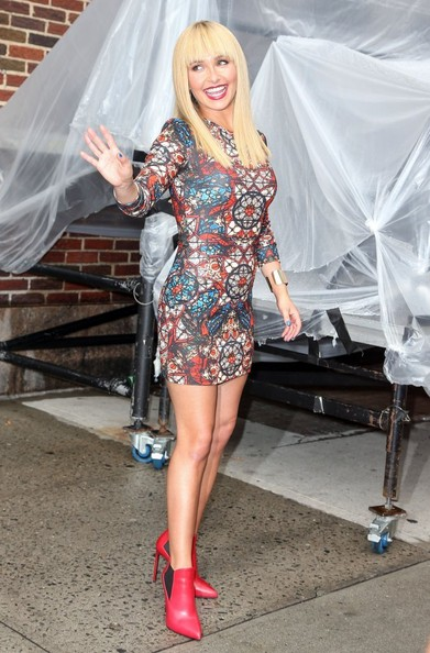 More Pics of Hayden Panettiere Print Dress (1 of 44) - Print Dress Lookbook - StyleBistro