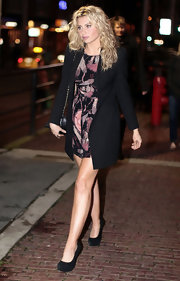 Alyson Michalka headed to a wrap party for her show 'Hellcats' in black suede platform pumps.