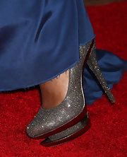 Teyonah walked the red carpet in a decadent pair of Disco Ball pumps at the 'How Do You Know' premeire.