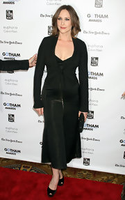 Vera Farmiga showed off her curves in a sleek black ankle-length dress with a mermaid silhouette.