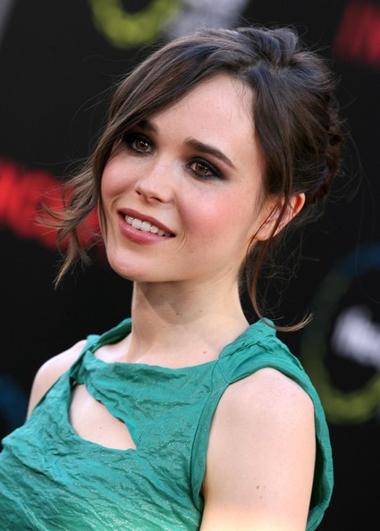 More Pics of Ellen Page Cutout Dress (1 of 13) - Ellen Page Lookbook - StyleBistro