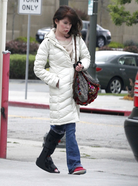 More Pics of Lara Flynn Boyle Down Jacket (3 of 14) - Lara Flynn Boyle Lookbook - StyleBistro