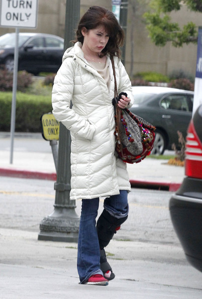 More Pics of Lara Flynn Boyle Down Jacket (2 of 14) - Lara Flynn Boyle Lookbook - StyleBistro