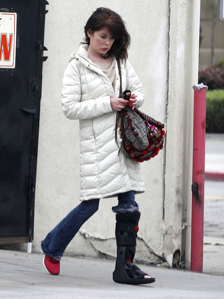 More Pics of Lara Flynn Boyle Down Jacket (5 of 14) - Lara Flynn Boyle Lookbook - StyleBistro