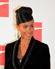 The always classy Jada Pinkett Smith shows off this ultra chic bun, which really accentuates her cheek bones.