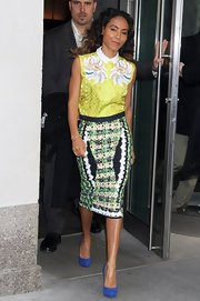 Jada Pinkett Smith showed she's not afraid of a little print when she sported this printed sleeveless top.