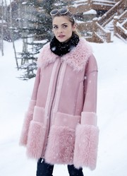 Jaime King looked perfectly ready for Sundance weather in a chic pink shearling coat by Prabal Gurung.