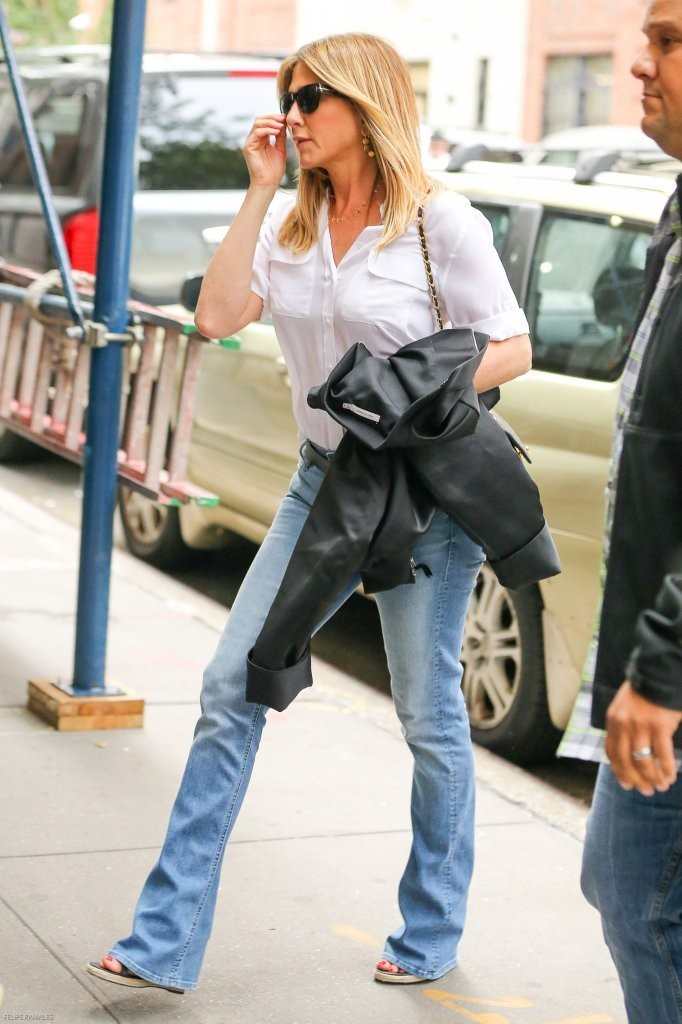 More Pics Of Jennifer Aniston Button Down Shirt 2 Of 32