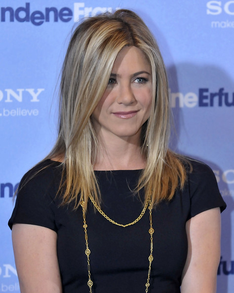 Jennifer Aniston Medium Layered Cut