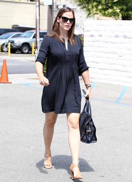 More Pics of Jennifer Garner Oversized Shopper Bag (1 of 20) - Jennifer Garner Lookbook - StyleBistro