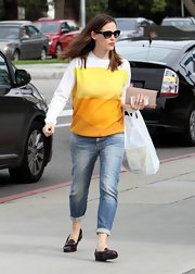 Jennifer wore a sunny yellow sweater with cuffed jeans while out in Brentwood.