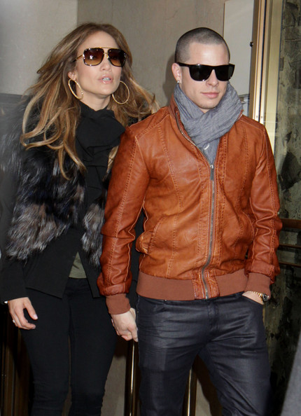 Casper Smart's brown leather jacket was a warm yet rugged clothing choice.