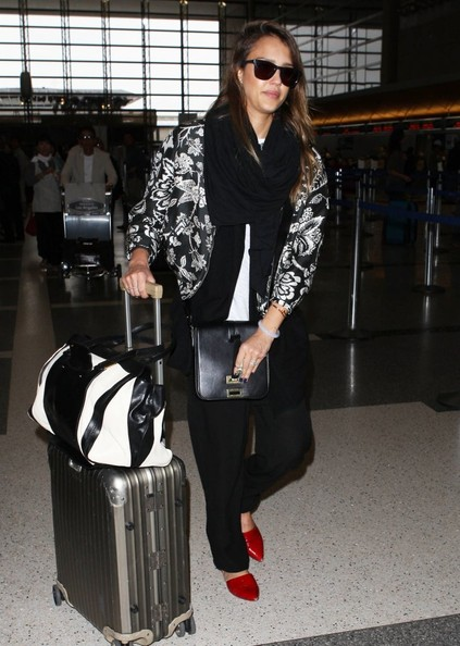More Pics of Jessica Alba Fitted Jacket (1 of 34) - Jessica Alba Lookbook - StyleBistro