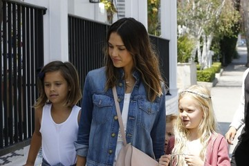 Jessica Alba Honor Warren Jessica Alba Goes Out to Lunch WIth Her Daughters at Au Fudge