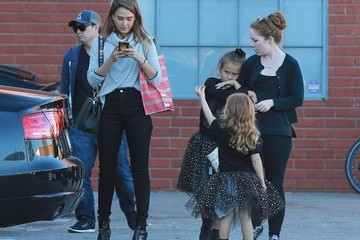 Jessica Alba Honor Warren Jessica Alba Leaves the Office With Her Kids