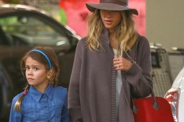 Jessica Alba Honor Warren Jessica Alba & Family Grocery Shopping At Whole Foods