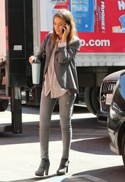 Jessica Alba added a bit of sexiness with a very tight pair of jeans.