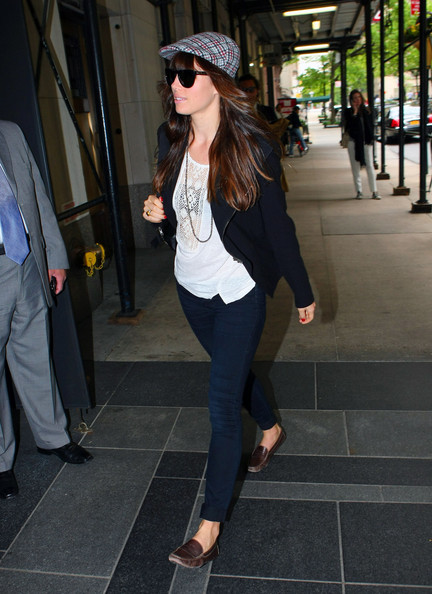 More Pics of Jessica Biel Newsboy Cap (1 of 9) - Casual Hats Lookbook - StyleBistro