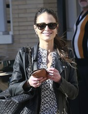 Jordana Brewster kept it classic with a pair of wayfarers while out shopping at Barneys.