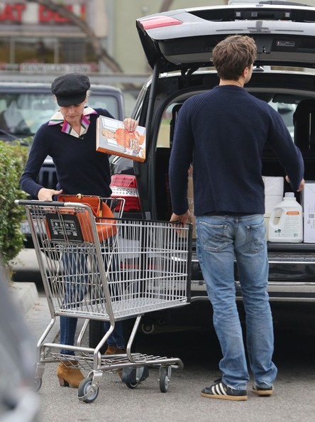 Joshua Jackson & Diane Kruger Stop By Whole Foods