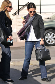 Julia Louis-Dreyfus' black Birkin was a luxe finish to her casual lunch attire.