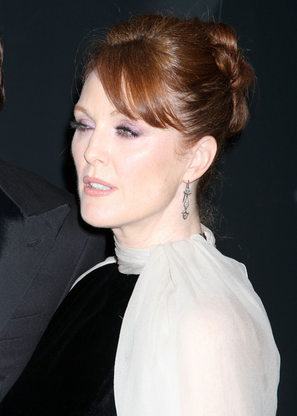 Julianne Moore Bobby Pinned updo