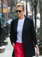 Karlie Kloss took a stroll in New York City wearing a pair of round sunglasses.