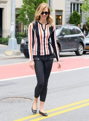 Karlie Kloss looked cute in a striped cardigan by Dolce & Gabbana while visiting the salon.