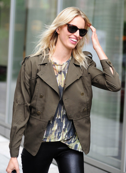 More Pics of Karolina Kurkova Leather Sneakers (1 of 6) - Karolina Kurkova Lookbook - StyleBistro
