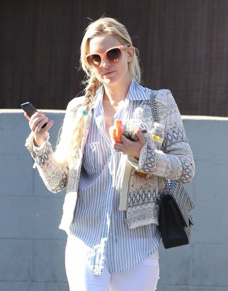 Kate Hudson Square Sunglasses []