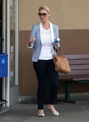 Katherine Heigl accessorized her casual ensemble with printed flats.