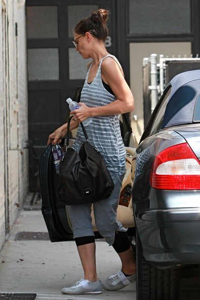 More Pics of Katie Holmes Crosstrainers (5 of 10) - Athletic Shoes Lookbook - StyleBistro []