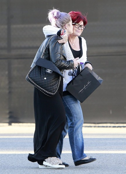 More Pics of Kelly Osbourne Leather Tote (1 of 13) - Kelly Osbourne Lookbook - StyleBistro