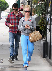 "Kendra was spotted leaving the nail salon in comfy digs, including her ""I Heart My Hood"" hoodie."