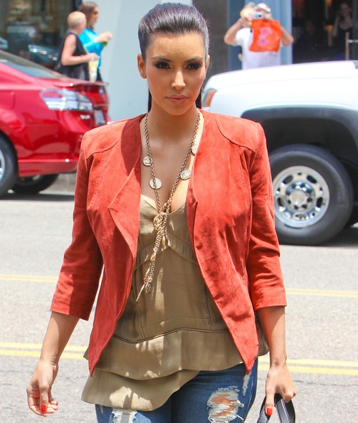 Kim Kardashian Layered Gold Necklace