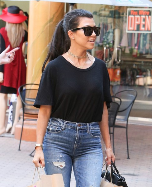 Kourtney Kardashian Gold Choker Necklace