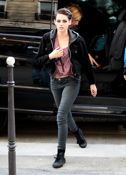 More Pics of Kristen S...